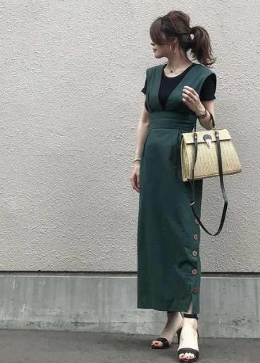 """为什么日本女生爱穿长衣服?""""廓形穿搭""""显高显瘦,小个子最喜欢"""