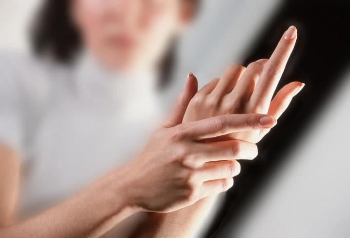 长湿疹是身体在排毒吗?夏季预防湿疹要怎么办?